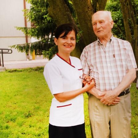Dom seniora w Płochocinie. Caładobowa opieka. Jesteśmy tu dla Ciebie i Twoich bliskich. Nam możesz zaufać.